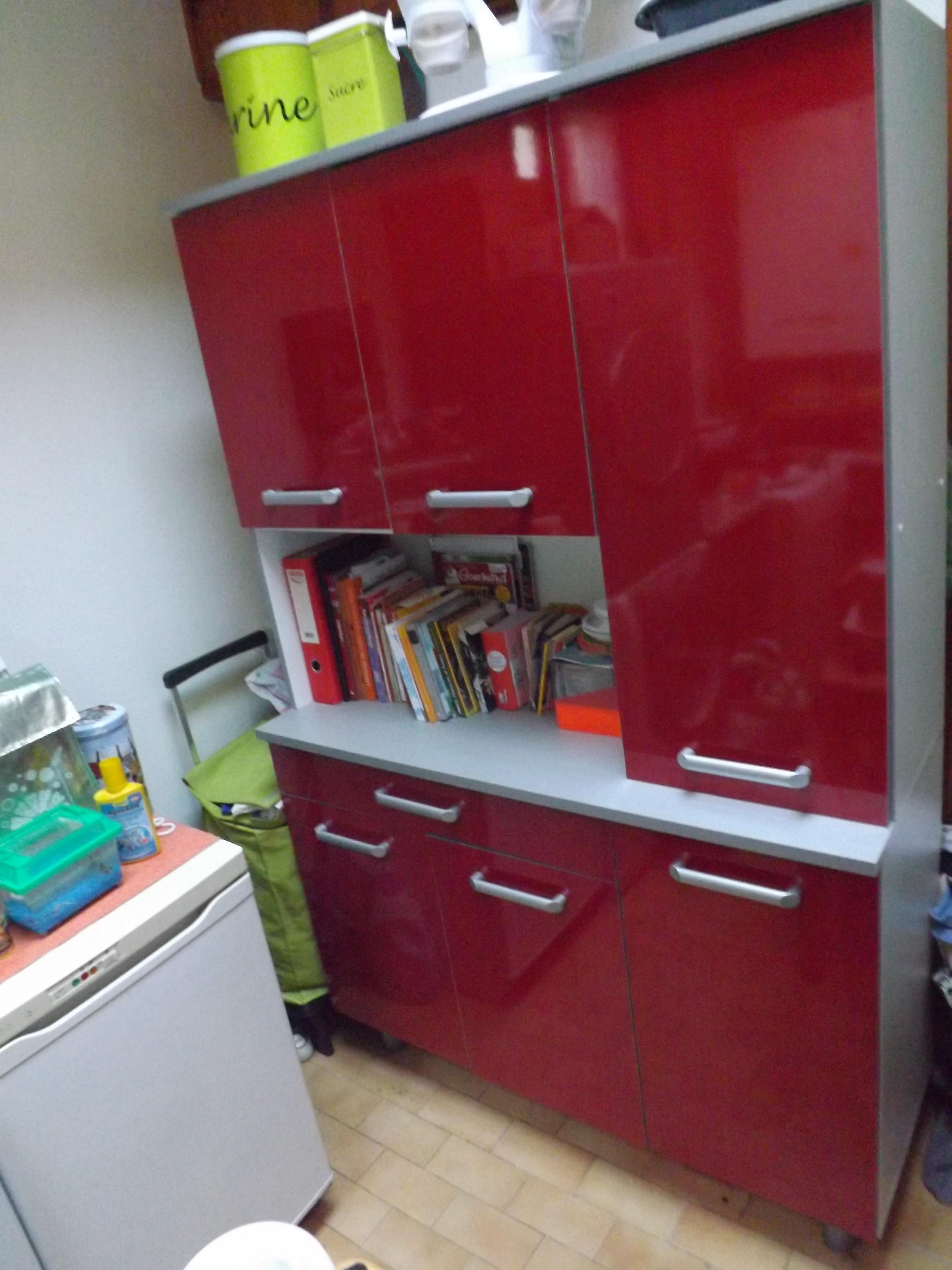 meuble angle cuisine rouge
