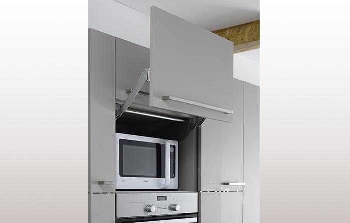 meuble de cuisine avec niche micro onde. Black Bedroom Furniture Sets. Home Design Ideas