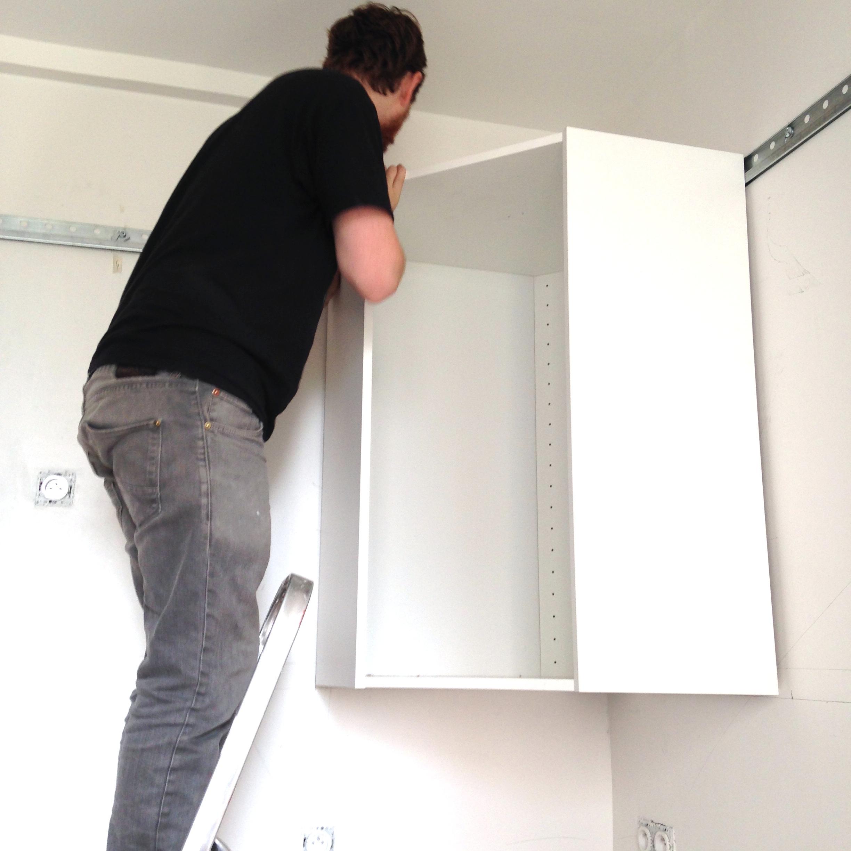 meuble haut cuisine tombe